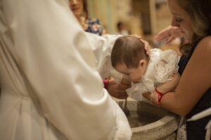 confectionner une médaille de baptême